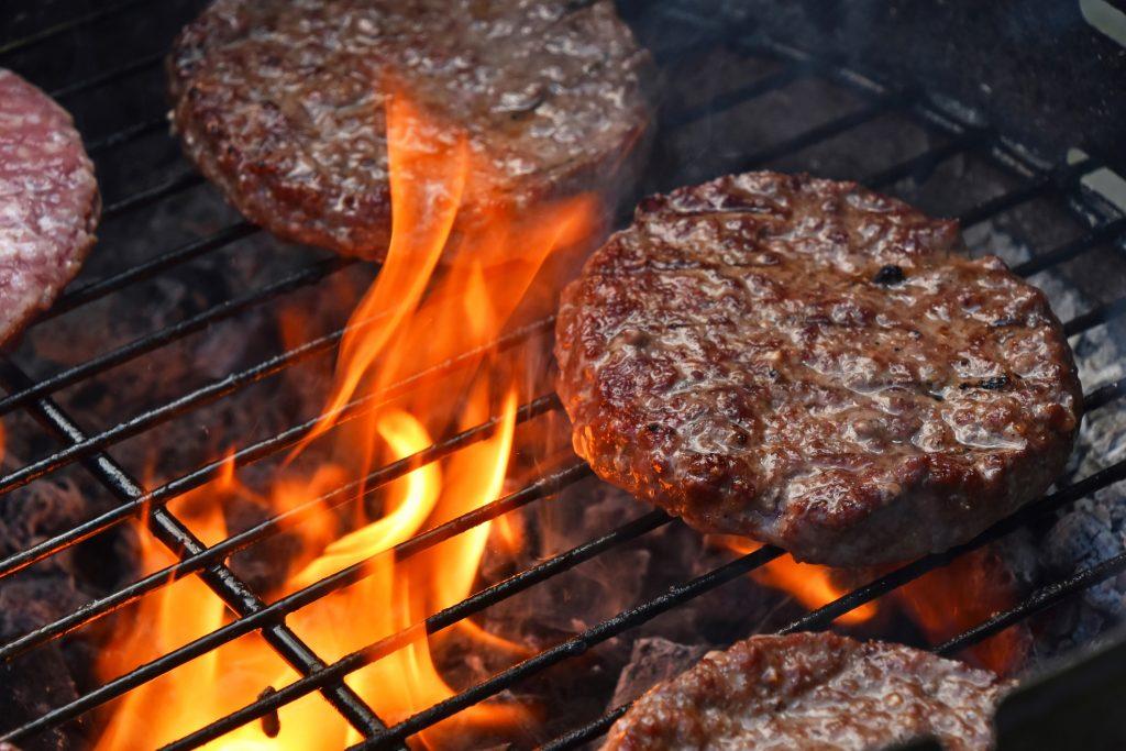 il mercato della carne che risale è agganciato in sillabazione